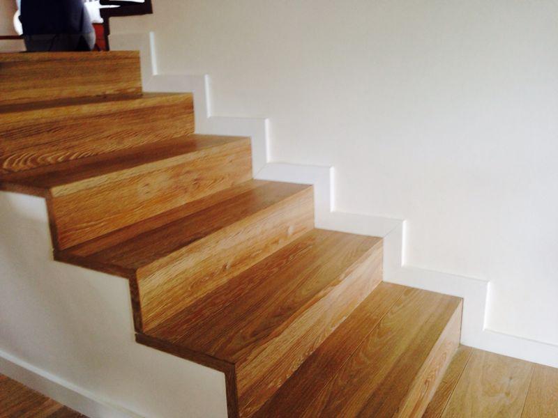 Escaleras de madera parquets solutions - Escaleras con peldanos de madera ...