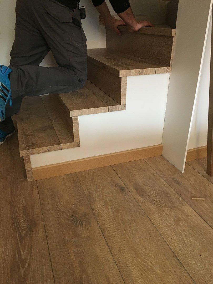Escaleras de madera parquets solutions for Escaleras de parquet