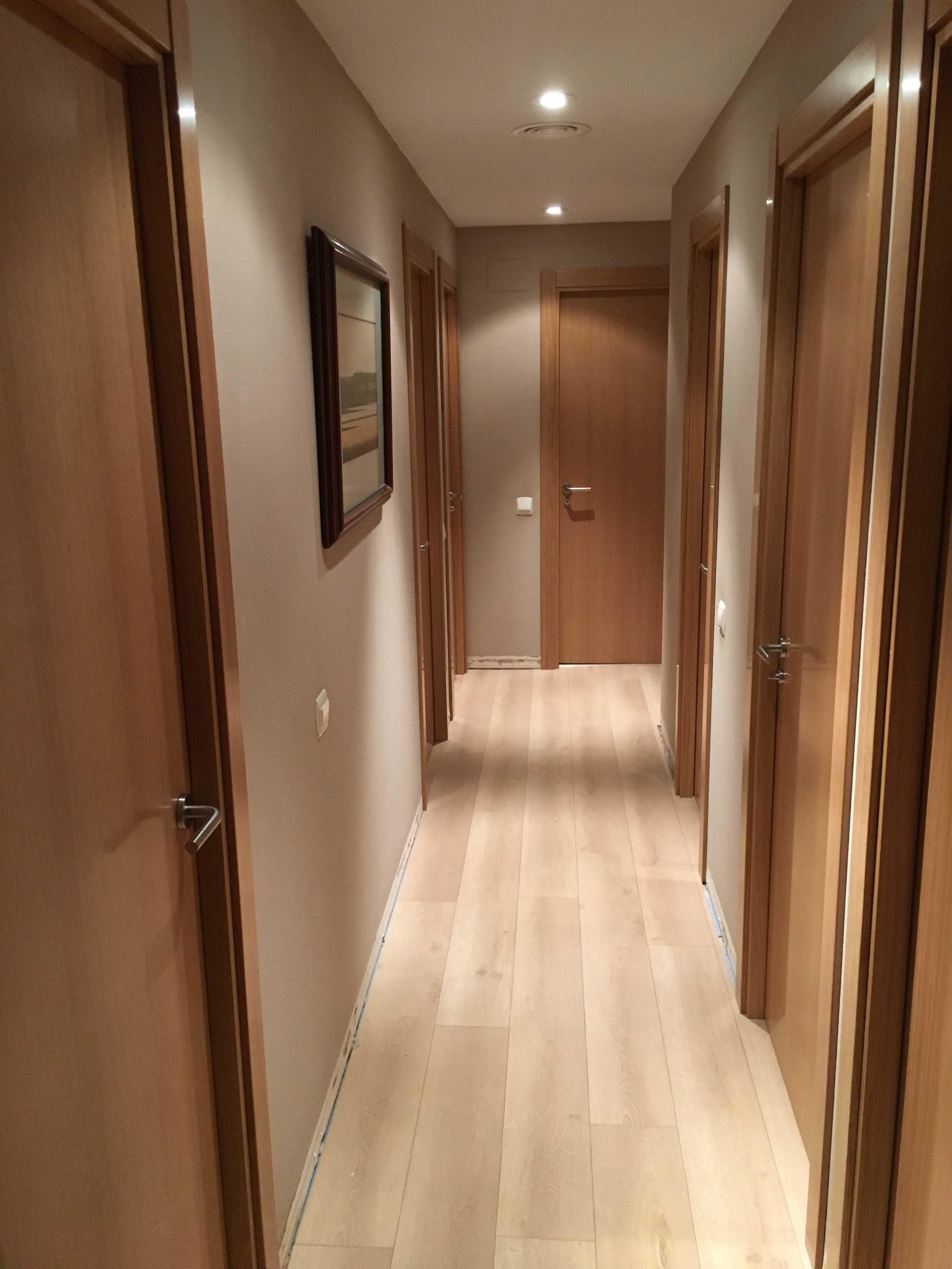 Puertas de interior parquets solutions for Puertas de roble interior